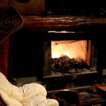 *【暖炉/薪ストーブ】柔らかな炎を囲んで、静かな時間をお楽しみ下さい。