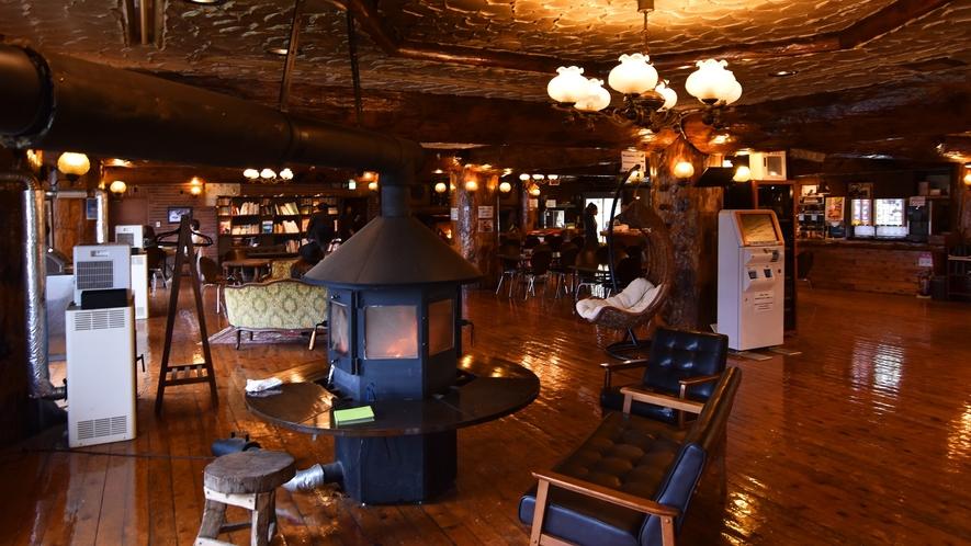 *【館内】広々とした館内はレストランも併設されており多くのお客様で賑わっております