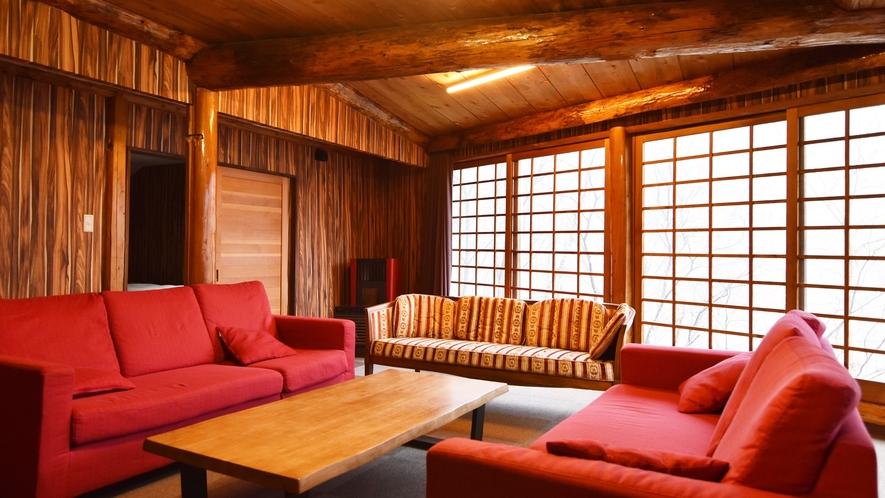 *【客室例】グループルーム(5~11名) ソファが常設されている為、ゆっくり寛げる事が出来ます!