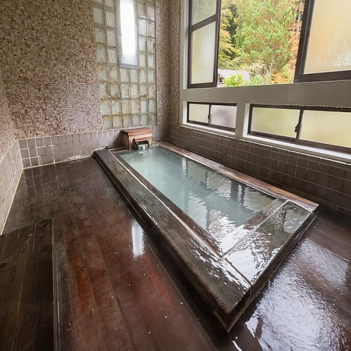 檜風呂 内湯小