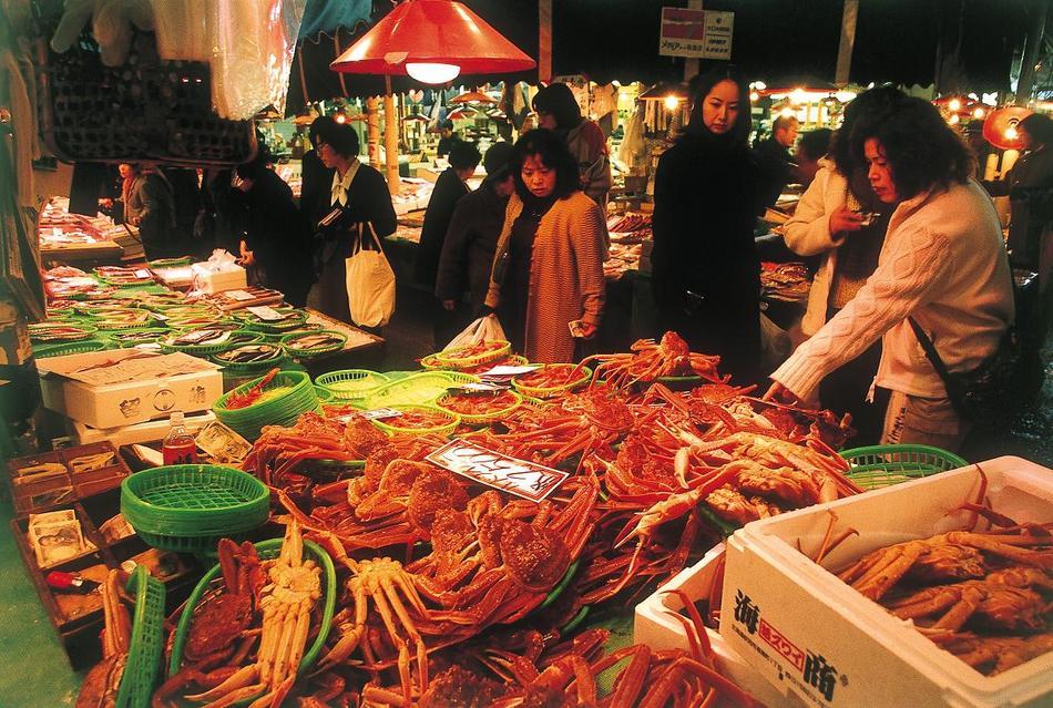 ■観光:にぎわう近江町市場
