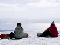 11. ゲレンデから猪苗代湖が望む抜群の眺望