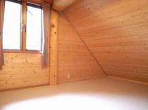 88. 2階は4部屋の寝室(5畳×2間、7畳×2間) 【〜10名様:しゃくなげ13号館】