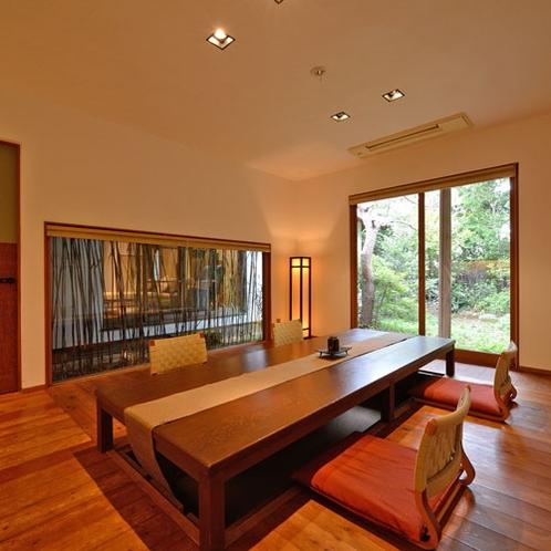 *【なぎ】掘りごたつ式のダイニングテーブルはお部屋食もご利用いただけます。