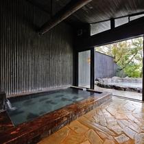 *【大浴場】入浴時間15:30~0:00 /女性用・男性用供に内風呂、露天風呂がございます。