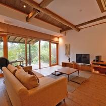 *【ゆすらうめ】69.07平米/床から天井までの大きな窓が特徴の、木の温もりあふれる和室