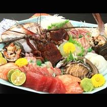新鮮な旬の地魚の皿盛り