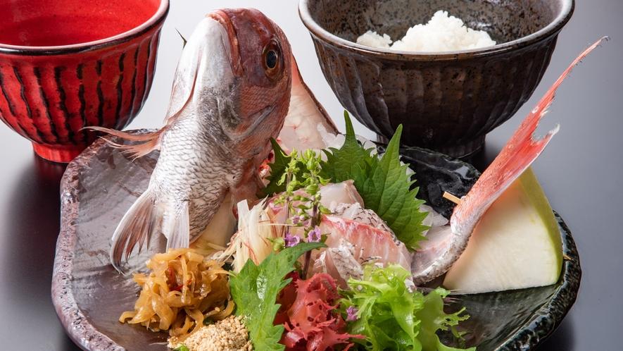 *和食一例:宇和島風鯛めし
