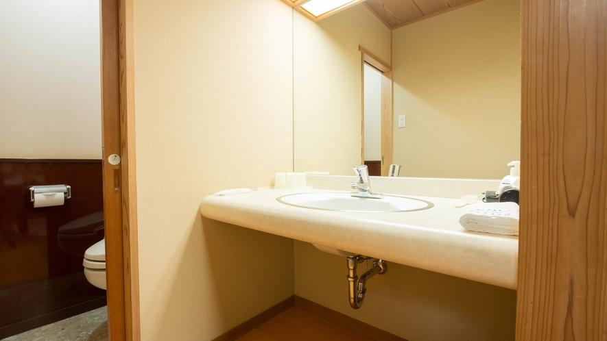 *【和室一例】広い洗面台が付いております。