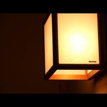 優しい光に包まれる館内です♪