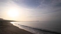 *平塚海岸/打ち寄せる波音を聴いてのんびりとお過ごしください。