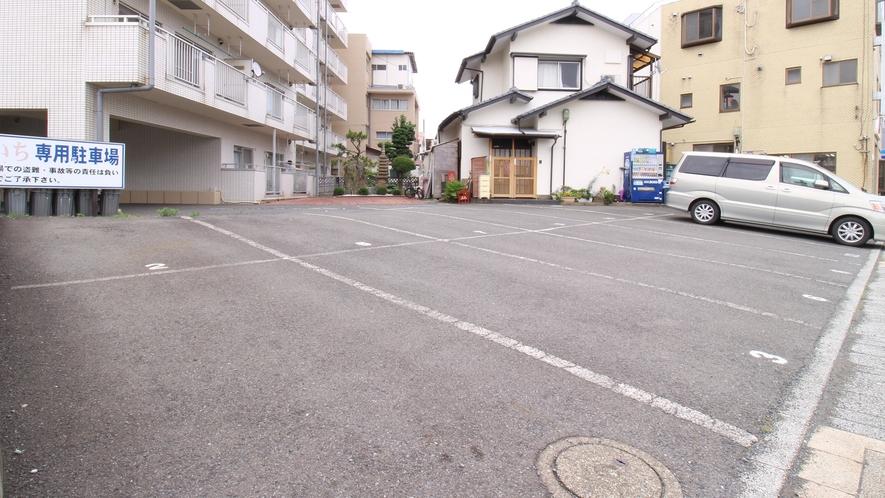 *駐車場/普通車からマイクロ、観光バスまで対応しております。※別途有料