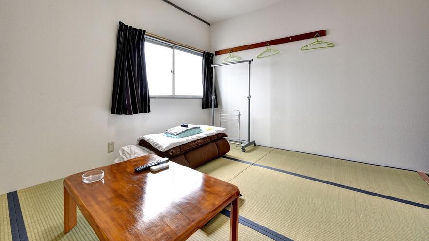 *客室一例/ビジネス利用の男性専用。和室・洋室よりおまかせとなります。