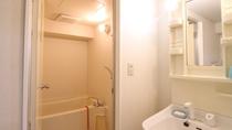 *客室一例/バストイレ洗面所が付いたマンションタイプのお部屋もございます。