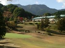 ゴルフ場から見た外観②