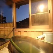 *露天風呂付和室:緑の陶器露天風呂のお部屋※ご指定はできません
