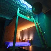 ≪ロフト付ファミリールーム-ao-≫天井に広がる幻想世界は夜のお楽しみ