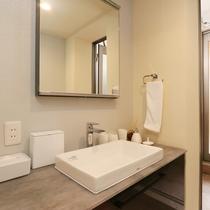 ≪総ひのき露天風呂付客室≫プライベートな空間を演出する洗面