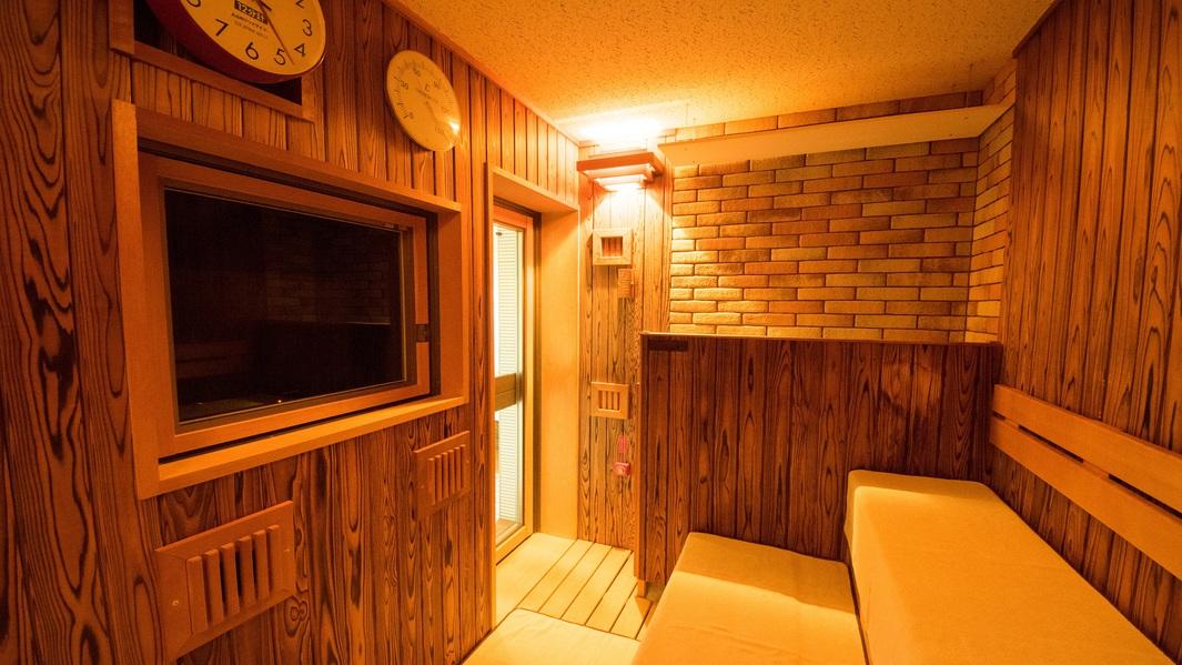 ■女性大浴場 サウナ(温度:95℃/定員4名)