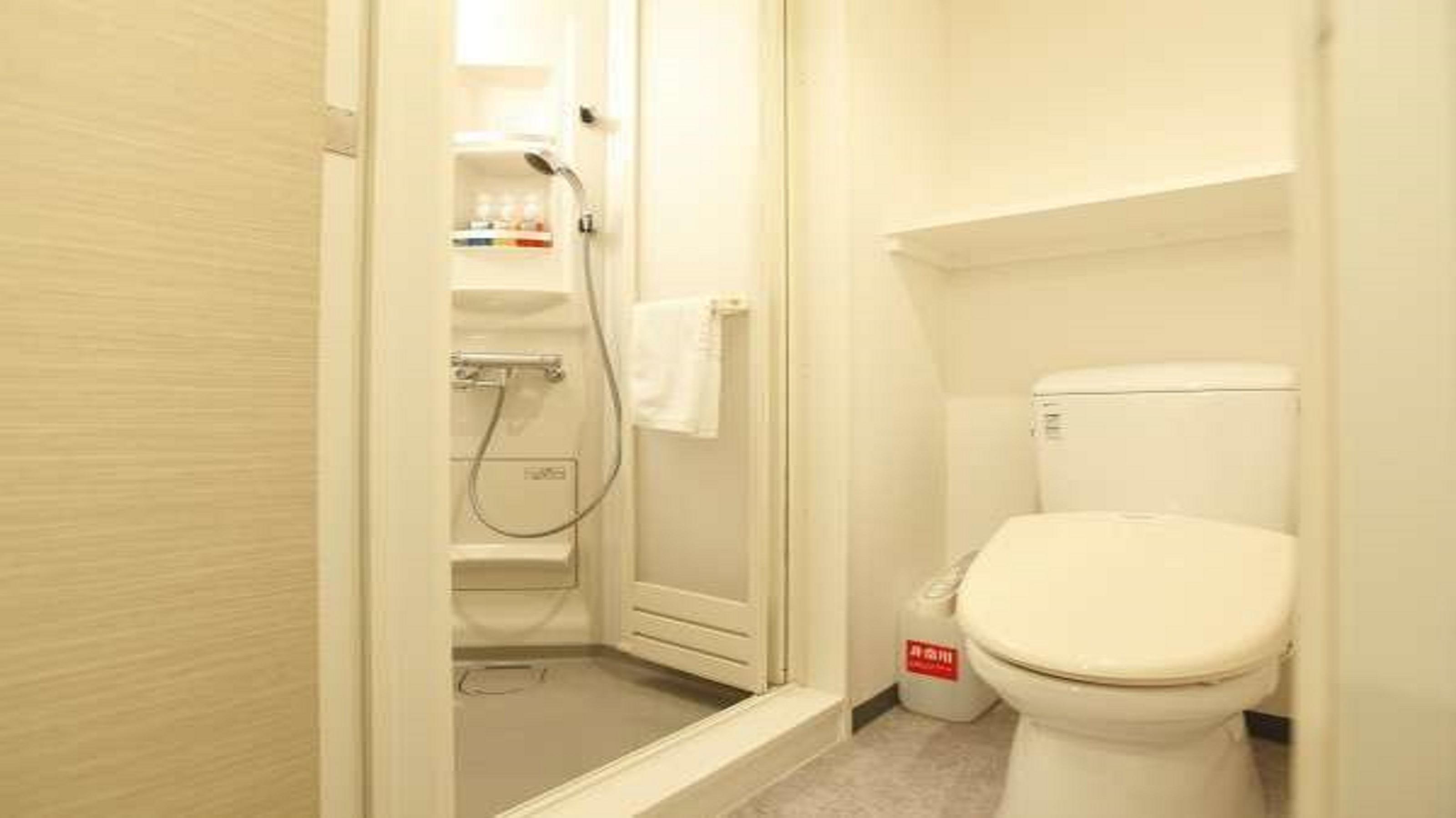 ■シャワーブース&トイレ