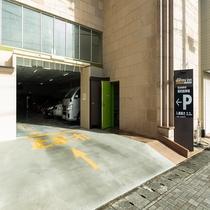 ■駐車場入口