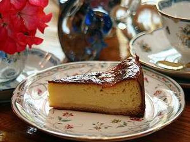 ママの「ベイクドチーズケーキ」 程よい酸味、このさり気ない味にファンも多い!21年間続くベストセラー