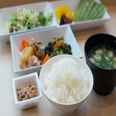 【健康朝食】一日の始まりは健康朝食から!