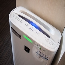 【加湿機能付空気清浄器】心地よい目覚めのために、空気に潤いとマイナスイオンを