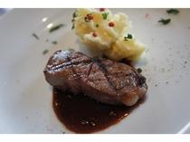 2016年2月夕食コース料理  メイン肉料理