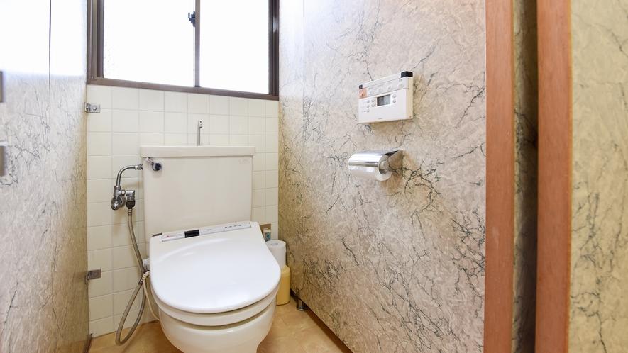 *【共同トイレ】洋式・ウォシュレット完備。