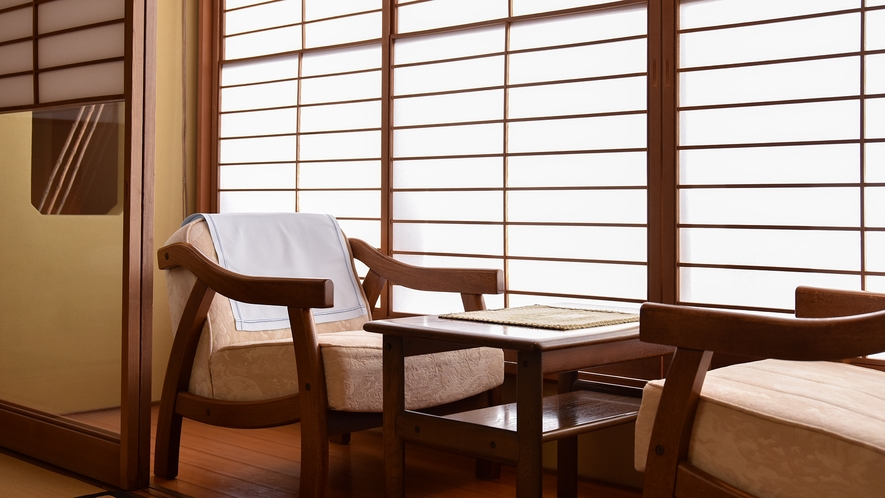 *【客室一例】ちどり(和室10畳)。落ち着いたひとときをお過ごしください。