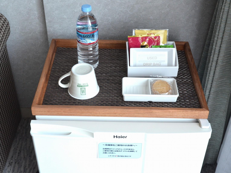 お茶セット(クッキー、珈琲、紅茶、お茶、湯沸かし器、水