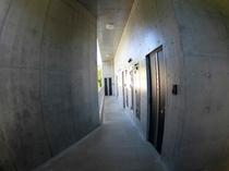 ヴィラタイプの客室入口
