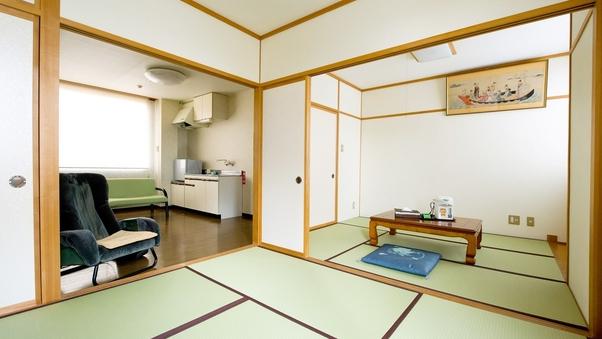 和室6畳+4.5畳(バス・トイレ付)