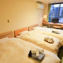【客室一例】ツインルーム+エキストラベッド
