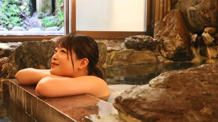 天然温泉掛け流しの泉屋旅館で癒されて♪