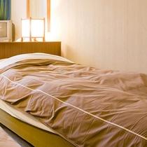 *【客室例/洋室Aシングル】一人旅やビジネスでのご利用に最適なお部屋。