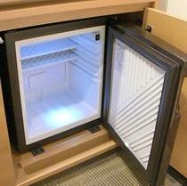 《自分だけのミニバーにしちゃう?》冷蔵庫