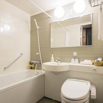 ゆったり広めのバスルーム