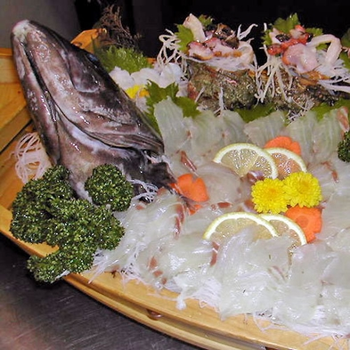 迷ったらこれ♪伊勢海老船盛り付き【平日1泊2食12,100円(税込)】リーズナブルに味わう海の味覚!