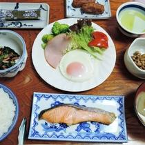 【朝食一例】翌朝は素朴な和定食をご用意します。