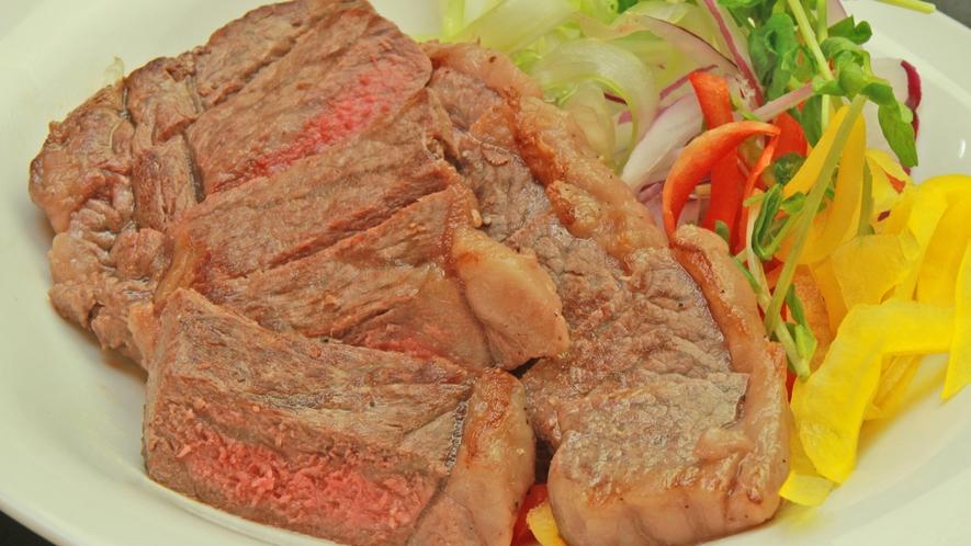 グレードアッププランでは国産牛ステーキが付いてきます♪