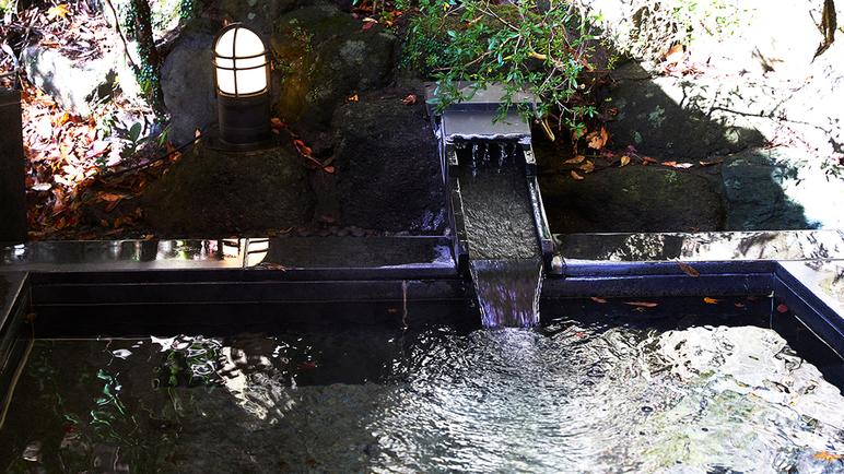 *【露天風呂】/季節を感じながらの入浴は格別です。