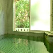 *【お風呂】/温泉ではございませんが、丹沢山系の清らかな水を沸かしたお風呂です。