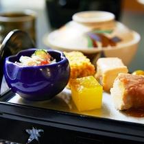 *【ご夕食一例】/先付・八寸・季節鉢・揚物・ご飯・水菓子