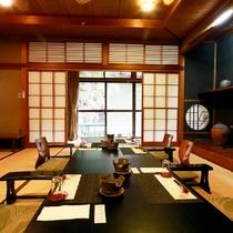 *和室(客室一例)/落ち着いた空間の中で美味しいお食事をいただく。