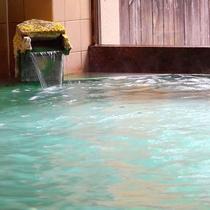 *【美人の湯】本館女性用の大浴場。草津温泉源泉100%です。心と体をゆっくり休めてください。