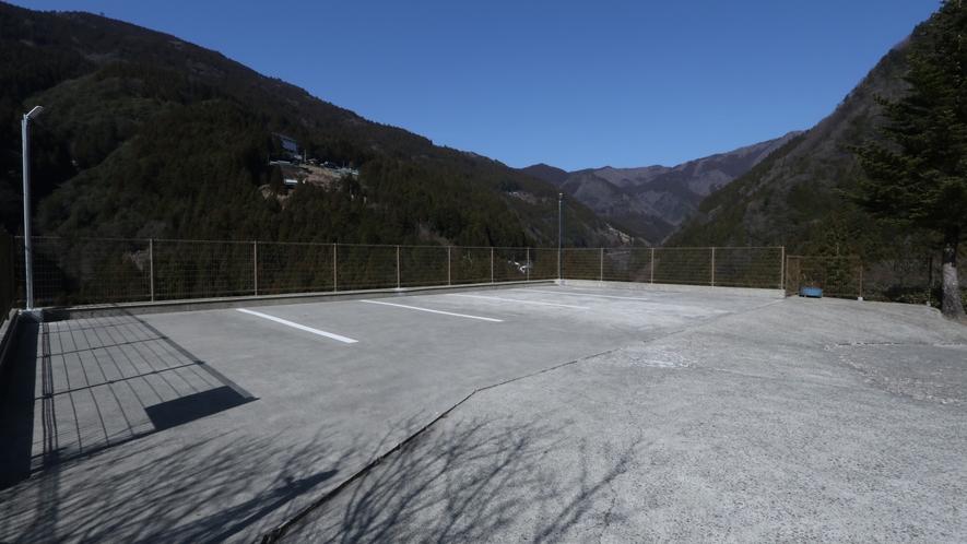 ☆第一駐車場には5台駐車可能です