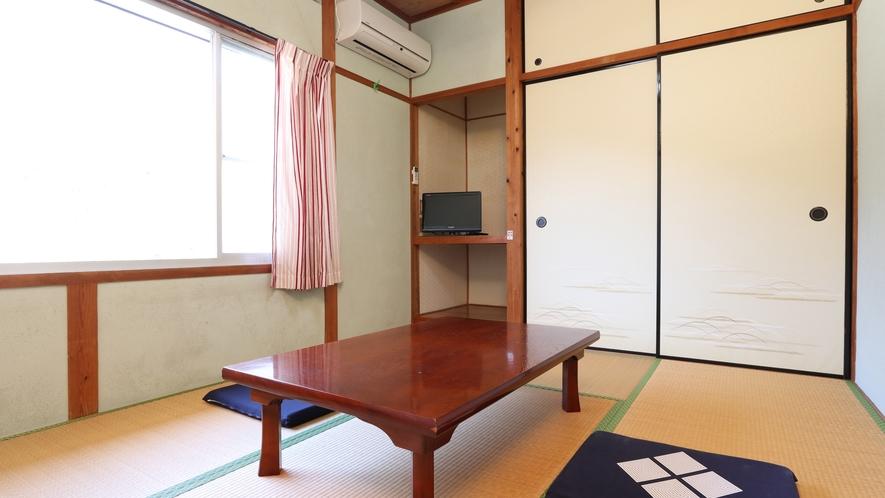 ☆本館の6畳のお部屋です