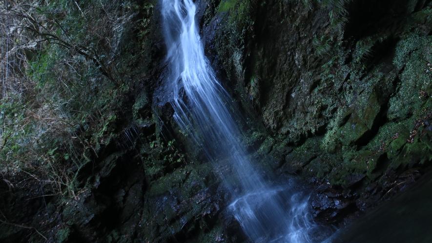 ☆秘境にある琵琶の大滝